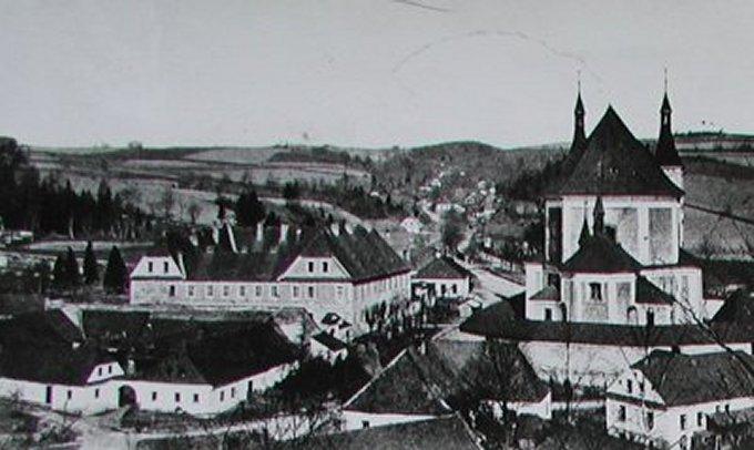 kolj a kostel